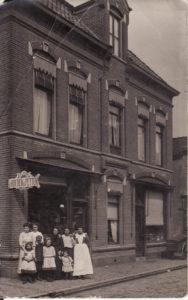 Vanderveen-Oudestraat-Assen-circa-1908.